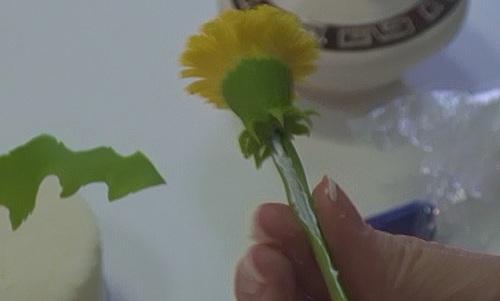пример цветок из полимерной глины