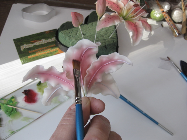 Лилия из глины мастер класс